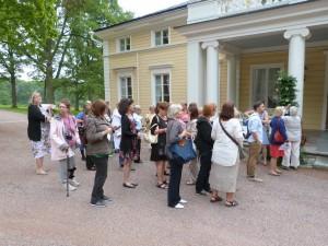 Elokuussa 2013 yhdistyksen jäsenillä oli ainutlaatuinen tilaisuus tutustua Königstedtin kartanoon Heidi Hautalan vieraana.  Lokakuussa 1983 yhdistys oli vieraillut Heidi Hautalan kasvisravintolassa.